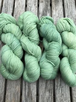 TRÖJBOX PÄRON - Köp till: En härva päron