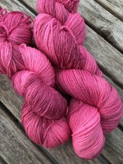 Glittrig flamingo. August by Garnlycka - Glittrig flamingo August
