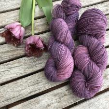 Purpura Tulip August by Garnlycka