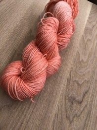 Peach sockgarn - peach sock