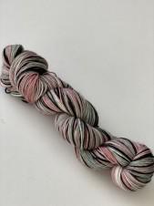 Pink ash. Sockgarn
