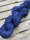 Ensamma härvor sockgarn - Marinblå sock