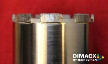 Diamantborr med positionerad diamant