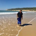 Dags att plocka plast på stranden i Barbate.