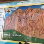 Flera klätterleder upp på berget.