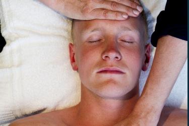 Avslappning som del i sjukgymnastik och rehabilitering hos GRUNDA fysioterapi i Varberg