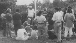 Kursledare Lasse Johnsson och Ingemar Borelius utbildar testledare (Charmören 3/1992).