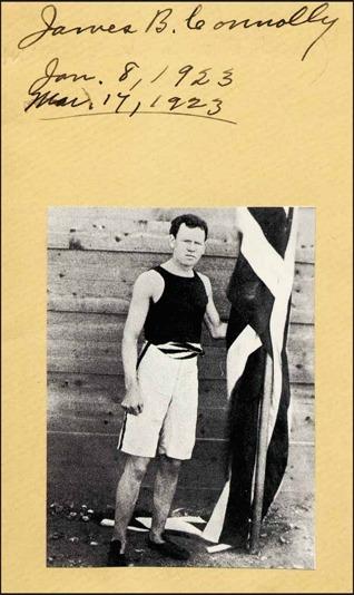 James B. Connolly, den förste vinnaren av en olympisk guldmedalj i modern tid. Han vann tresteg på 13,71 m, över en meter före tvåan!