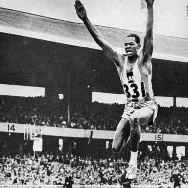 Adhemar Ferreira da Silva, en stilfull trestegshoppare från Brasilien som vann guld både 1952 i Helsingfors (16,22 m) och i Melbourne (16,35 m).