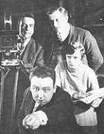 Hichcock regisserar sin första film, The Pleasure Garden
