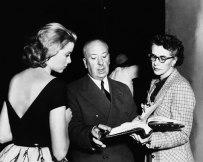 Alfred Hitchcock och Grace Kelly under inspelningen av Fönstret åt gården