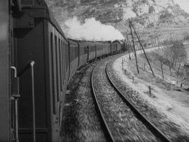 Klassisk bild på hur ett tåg skall filmas