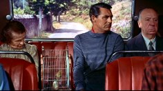 Hitchcock bredvid Cary Grant  en buss