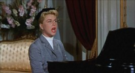 Doris Day sjunger för full hals i hopp om att hennes kidnappade son ska höra henne