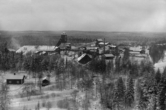 Källfallets gruvanläggning med den gamla trälaven, före branden 1943