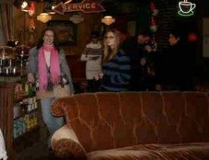 "Emma Parsons på ""Friends"" café"