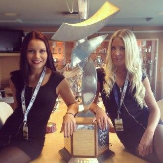 Värdinnor på prisutdelningen för STCC finalen.