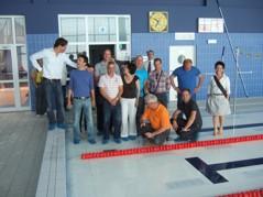EU-reglerna säger att Höj- och sänkbara golv skall klara en belastning på 65 kg/kvm. Detta gör Varipools golv med råge. Kolla bara belastningsprovet på golvet ovan och nedan.