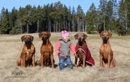 ellen19months_dogs1