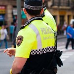 Poliser överallt.