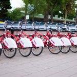 Förutom vespor fanns det en och en annan cykel också.
