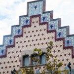 Här var en annan byggnad vi såg efter maten, också av Gaudi.