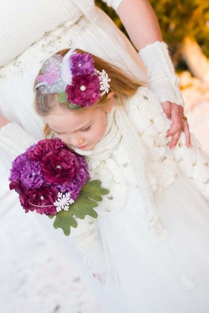 Brudbukett och diadem av papper!! Otroligt duktiga Gabriella har gjort sin egna brudbukett! Vackert, eller hur?!