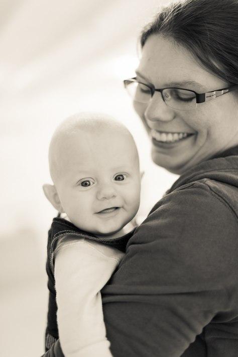 Här är Eva, som gör Ryssbyglass, med sin lile son John. Så söt!!