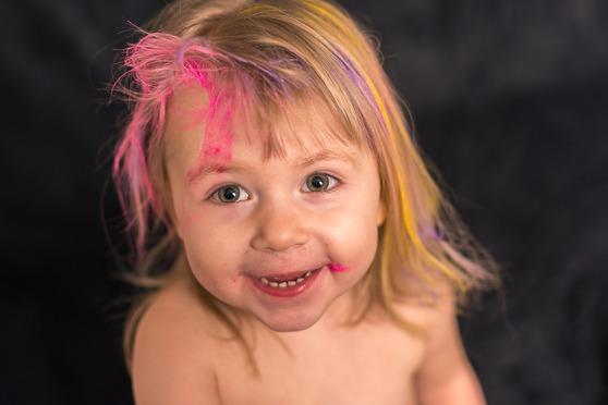 En dag när Tilda inte var hemma, passade Nova på att prova Tildas hårmascara, för fin måste ju en prinsessa vara!!