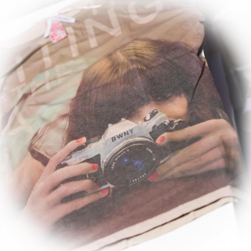 Kunde inte låta bli denna tröjan med kameran på! ❤