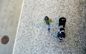 Stockholms stad startar en verksamhet för föräldrar vars barn placerats i familjehem. Stöd till föräldrarna väntas också underlätta för barnen, enligt kommunen.