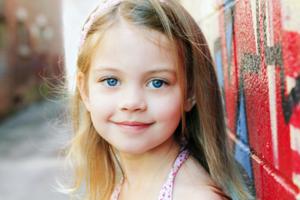 Både barn och föräldrar lever under stress.  Vi har pratat med författaren Ylva Ellneby om hur små barn påverkas av stress. - See more at: http://www.alltforforaldrar.se/artikel/stress-det-finns-en-gr