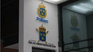 En halländsk man i 60-årsåldern åtalas för att sexuellt ha utnyttjat tre underåriga flickor.