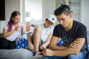 Mamman och brodern försvann spårlöst. Han tvingades se på när pappan och farbrodern avrättades.  När Wajdi Mosat var 13 år kom han som ensamkommande flyktingbarn till Sverige.   Nu ska han visas ut.