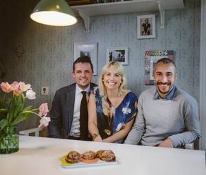 Tillsammans med Tina Nordström och Henrik Larsson har Jone sett till att Helsingborgs lasaretts barnrum blivit ordentligt uppfräschade.