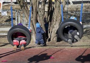 Förskolan ska inte vara barnpassning när föräldern känner för att göra något annat, framhåller skribenten. Foto: Gorm Kallestad/TT