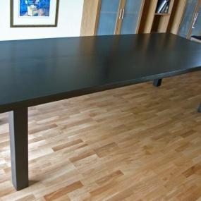 Stort matbord massiv ek