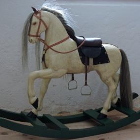 Gemla Gunghäst från Ljungsbro färdig