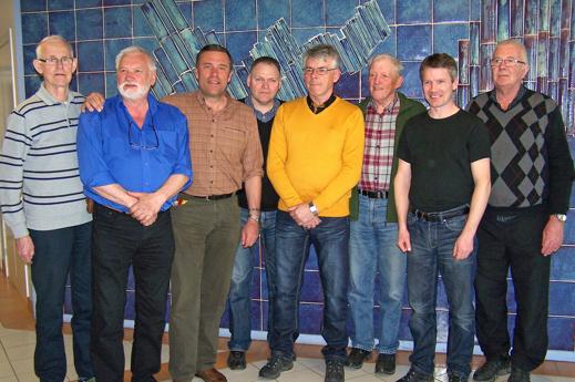 Stövar- och taxdomare på plats. Fr.v. Stig Kihlberg (tax), Mats Gottvall (stövare), Sven Magnusson (stövare) , Benny Wahlestad (stövare), Arne Söderberg (tax), Olle B Häggkvist (stövare), Allan Forsberg (tax) och Göran Olsén (tax).