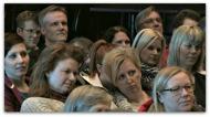 300 personer hänfördes av Kjells föreläsning