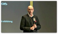 Ola Linnteg presenterar Kjell Enhager