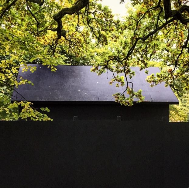 Installationen You Made Me av konstnären Oscar Guermouche. Foto: Henrik Rylander