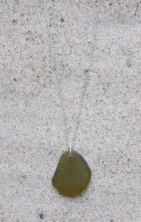 Olive halsband