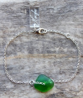 Green diamond armband