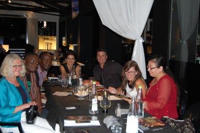 År 2013, från Italien och internationell utställning i Toscana - här äter några av oss deltagare middag tillsammans - med spridda nationaliteter som Afrika, Kanada, Indien, Cypern och så jag, Sverige