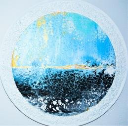 Golden Depth - Akryl på pannå - pannåmått; 30 cm i diameter  - 37 cm i diameter med ram - ram har jag tillverkat av en bricka, krossat glas, klister och vit färg