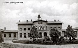 1906-08 ombyggnad och formklippta träd