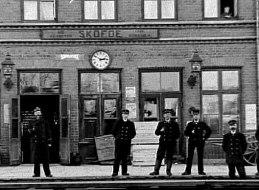 Stationen 1900