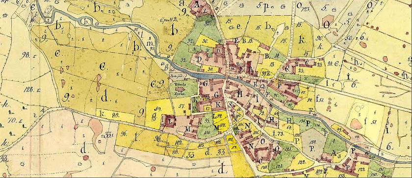 Klicka på kartan för att få den större! Karta 1788 -90 över Våmbs bys gårdar innan de flyttats ut i storskiftet. Tätt ordnade kring bäck och kyrka.