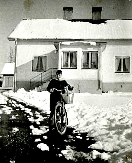 """""""Johanssonska"""" huset 1960. Bild från Marianne Brage, Vartofta, 2014"""